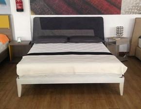 Letto moderno con gambe Tivoli 160x190 Artigianale a prezzo ribassato