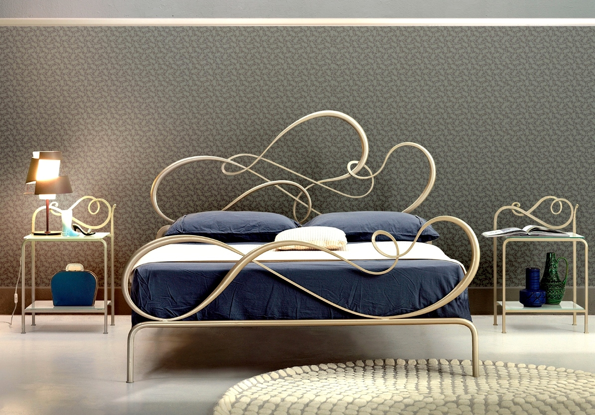 Letto letto blu matrimoniale design ferro battuto letti for Letti outlet design