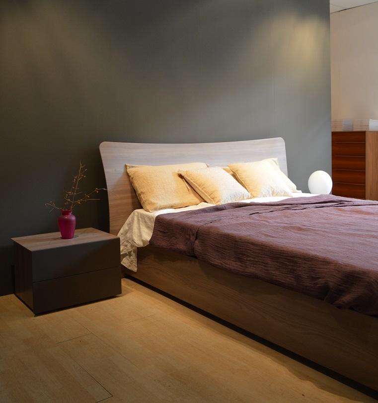 Letto orme modello metide matrimoniale moderno legno for Design moderno del letto