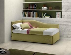 Letto Samoa modello Enjoy Twice ad angolo sagomato. Letto con struttura in legno rivestito in tessuto comprensivo di secondo letto estraibile.