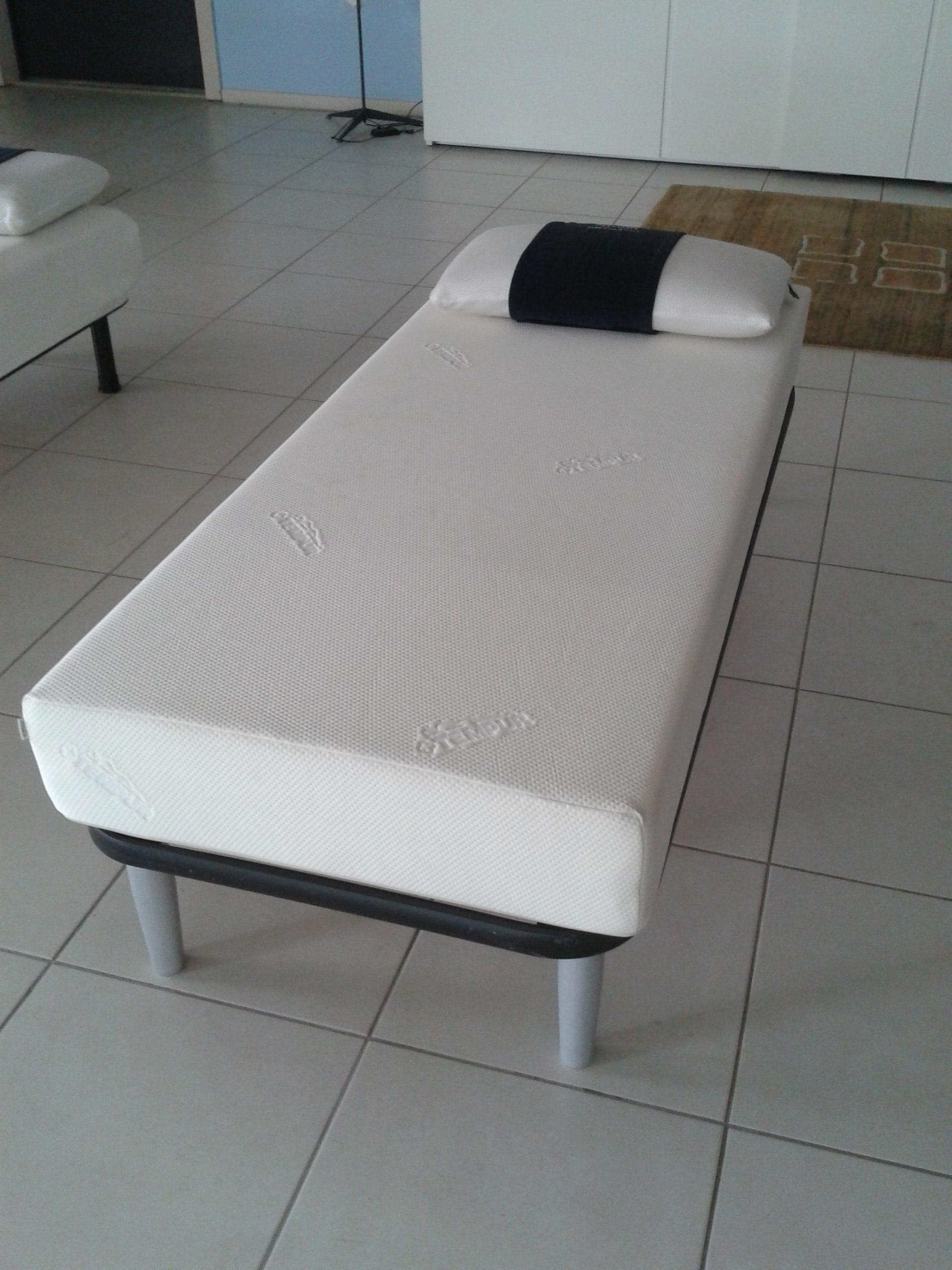 materasso tempur original singolo materassi a prezzi scontati. Black Bedroom Furniture Sets. Home Design Ideas