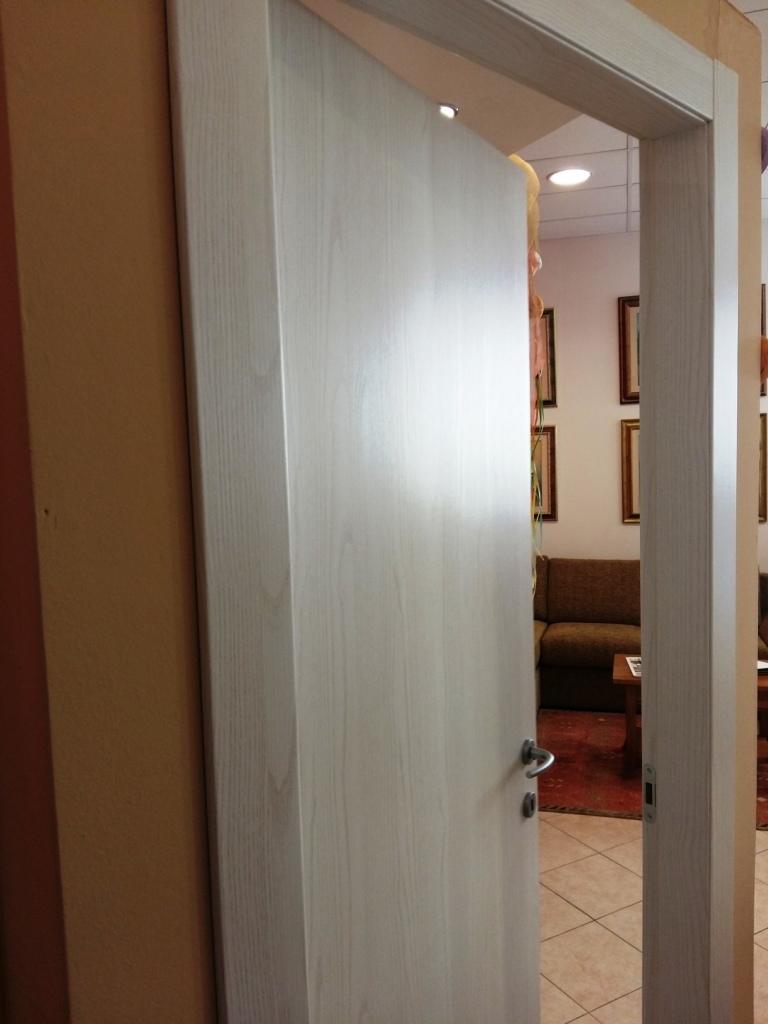 Gd dorigo porta pegaso moderne battente porte a prezzi for Battente porta