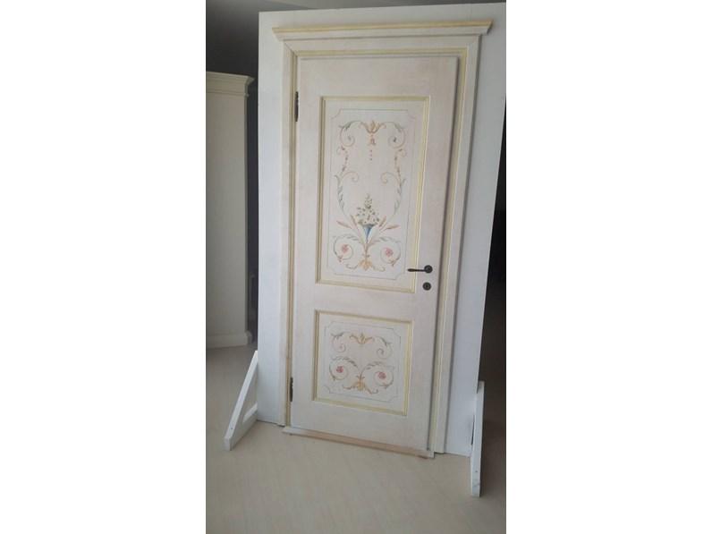 porta in massello decorata a mano
