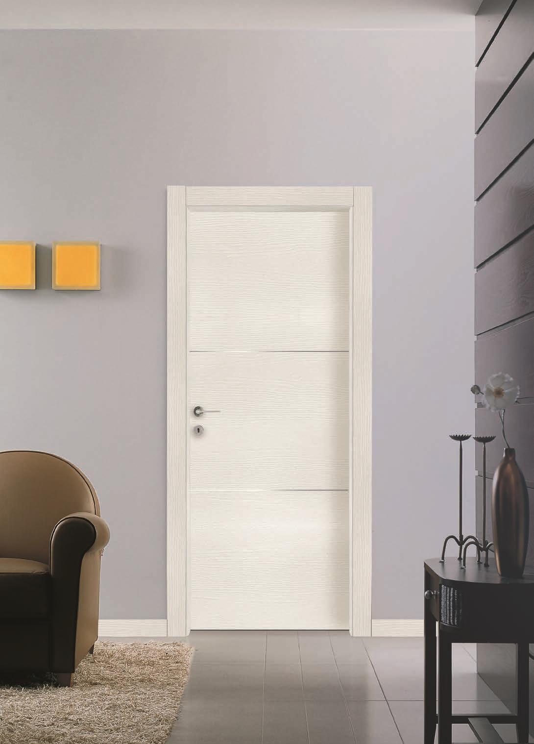 Porta interna con tre inserti in acciaio finitura quarzo for Porta interna bianca con vetro