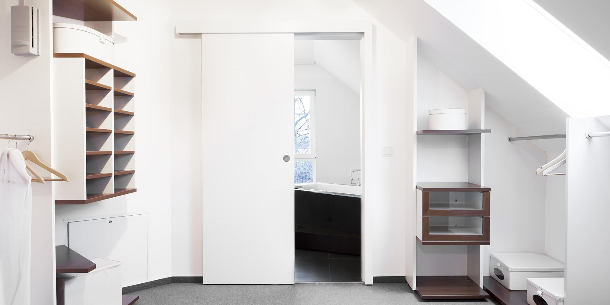 Porta scorrevole asterno muro bianca su misura porte a - Porte scorrevole esterno muro ...