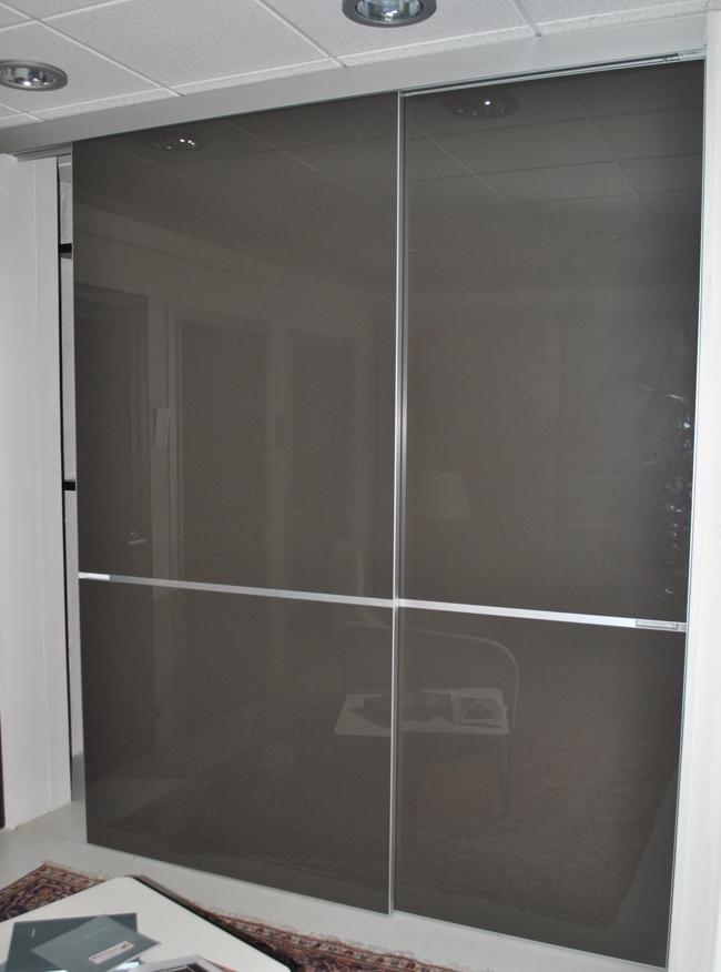 Porta scorrevole rimadesio graphis vetro grigio scontata del 60 porte a prezzi scontati - Porta scorrevole vetro prezzi ...