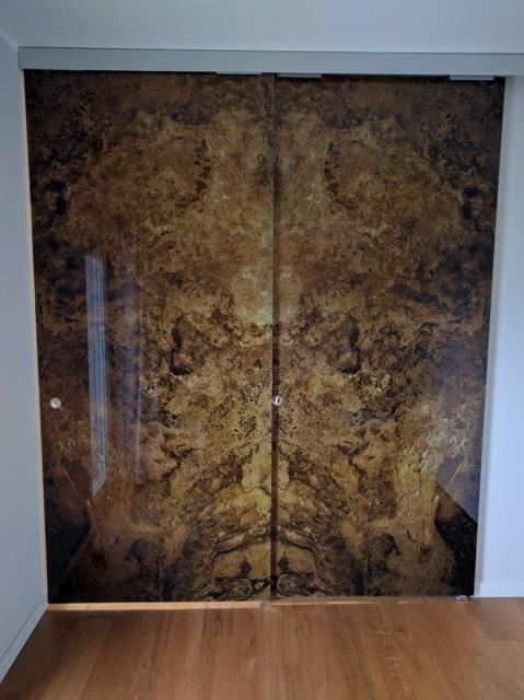 Porte vetro scorrevoli,decorate marmo,produzione Glamour Design ...