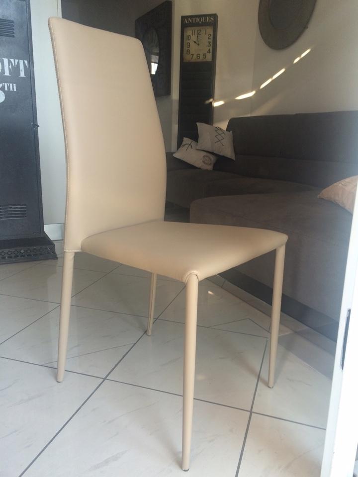 4 sedie ingenia modello renee in pelle ecologica sedie a for Sedie in pelle prezzi