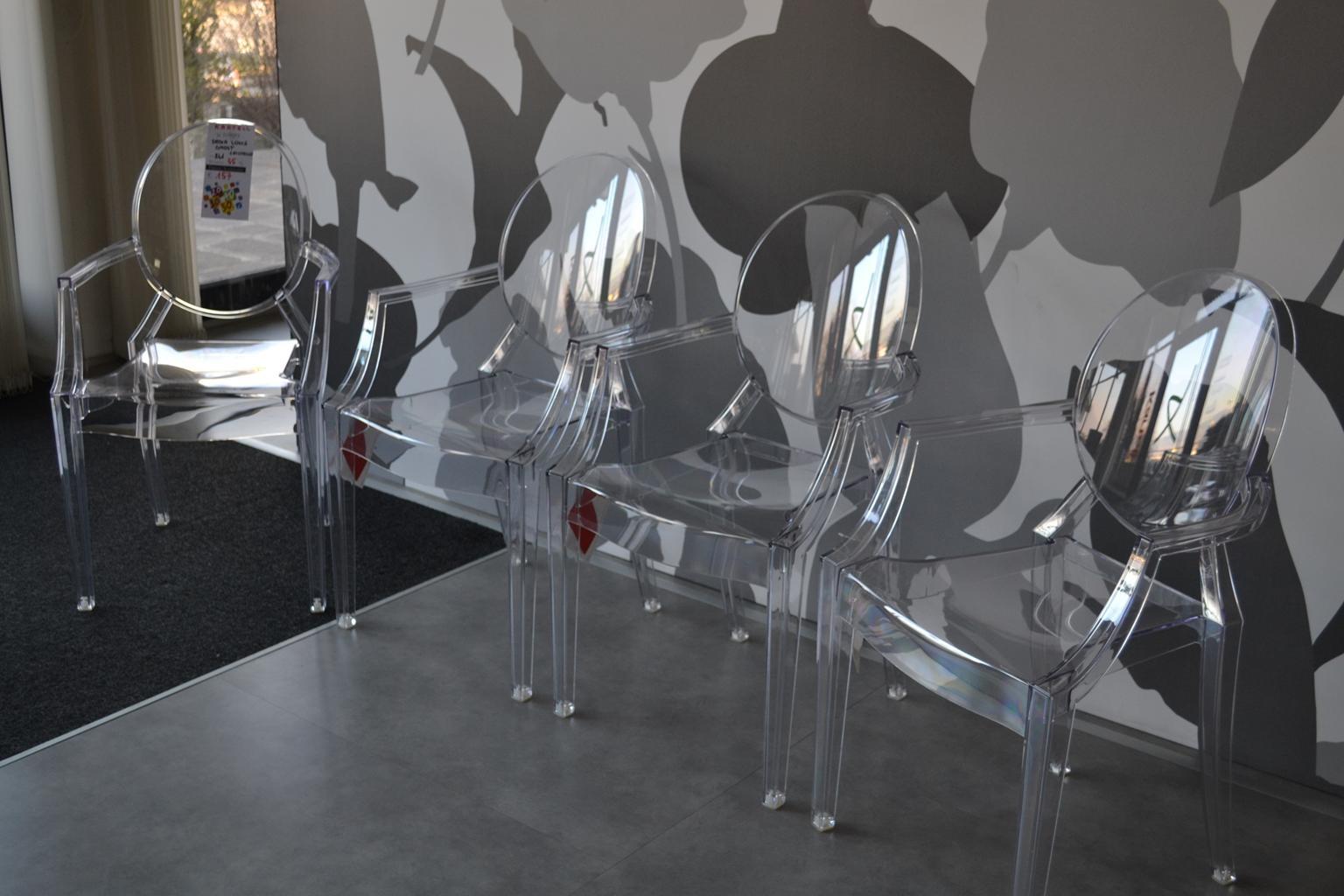 4 sedie kartell louis ghost sedie a prezzi scontati for Sedie kartell prezzi