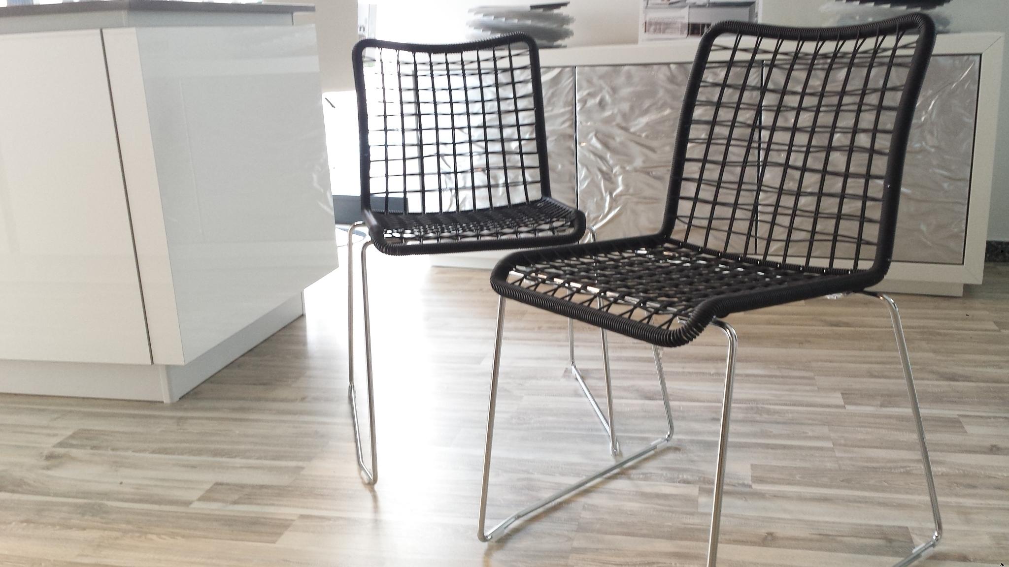 4 sedie moderne light scontatissime sedie a prezzi scontati for Sedie moderne prezzi