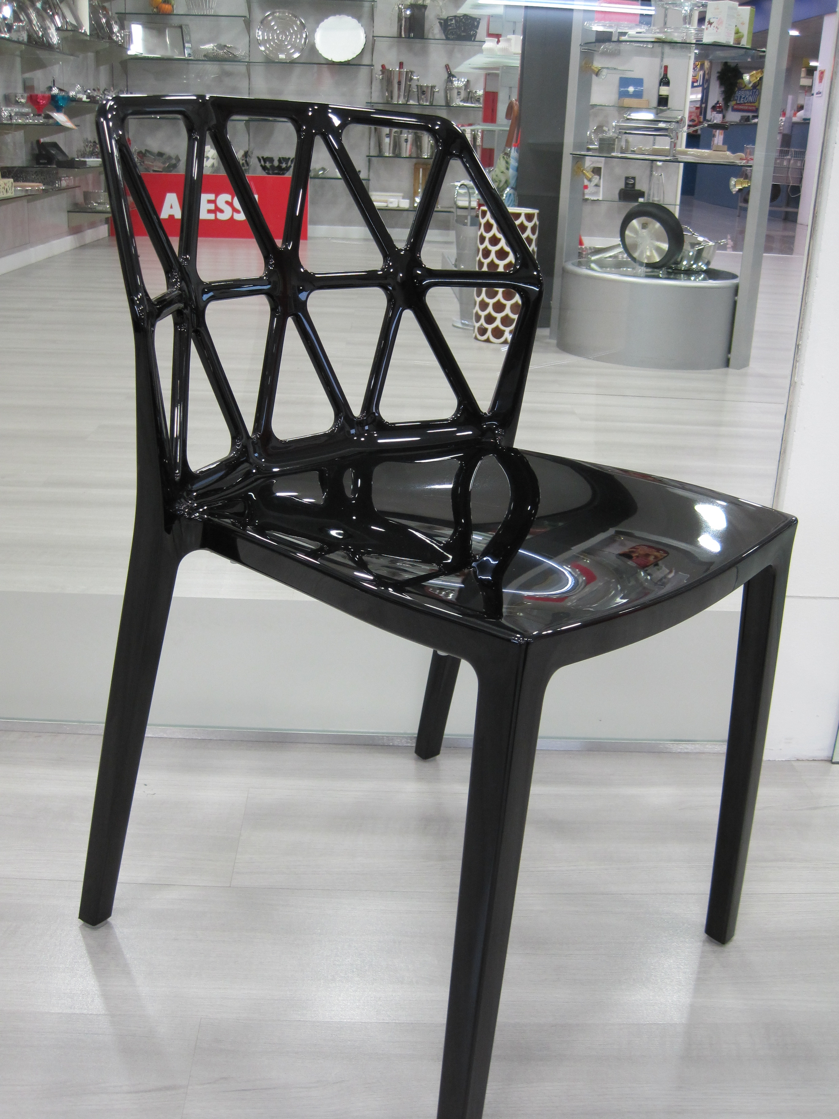 4 sedie nere sedie a prezzi scontati
