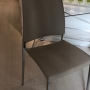 4 sedie Thema di Cattelan