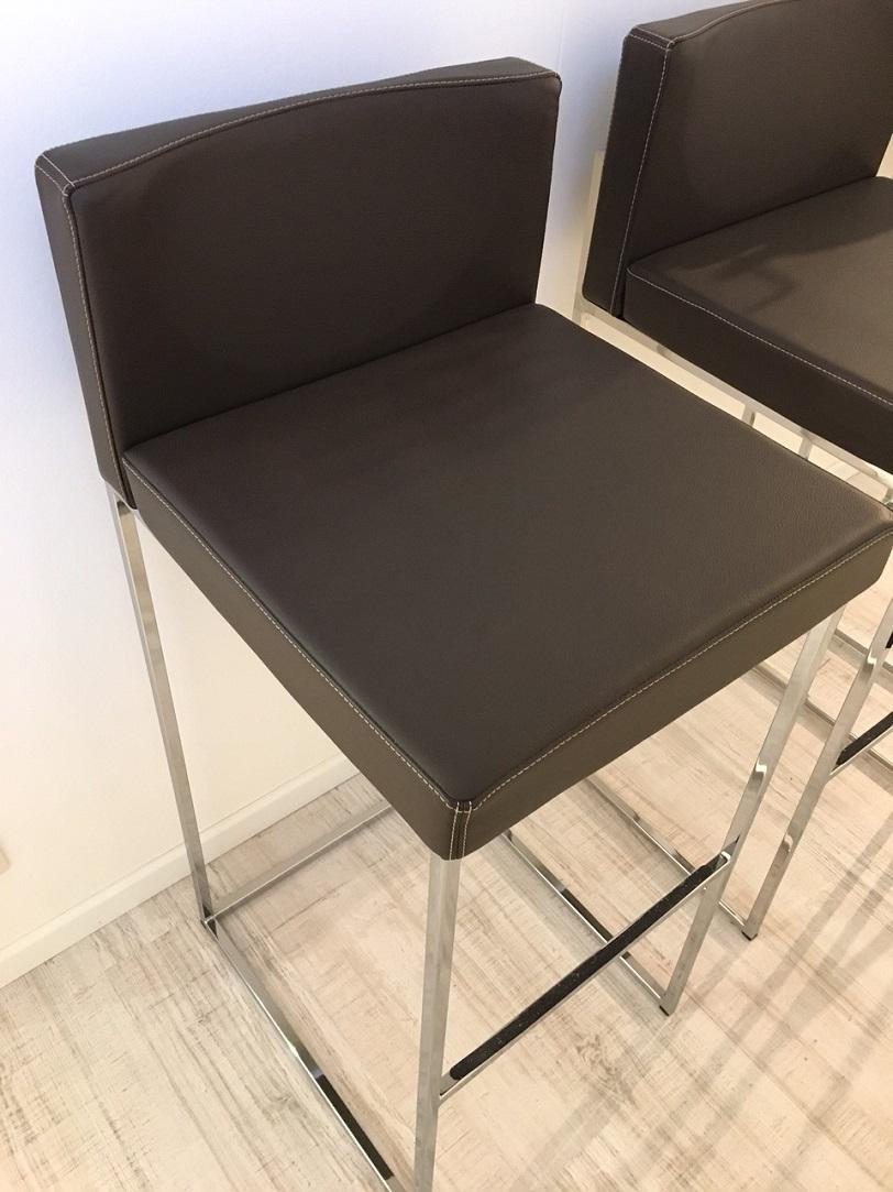 Calligaris 3 sgabelli alti in vera pelle marrone sedie a for Sedie in pelle marrone