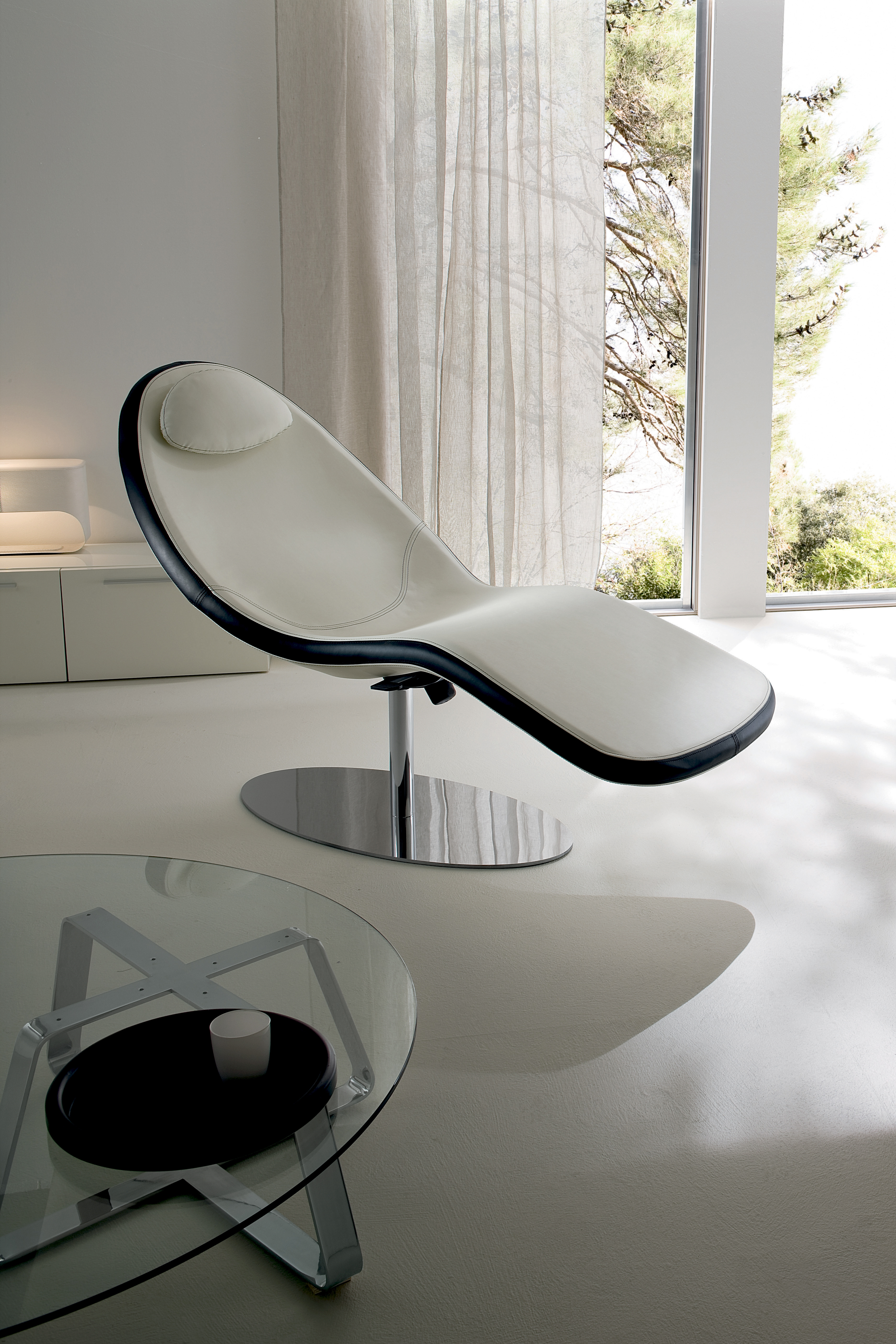 CHAISE LONGUE RELAX IN PELLE NERA