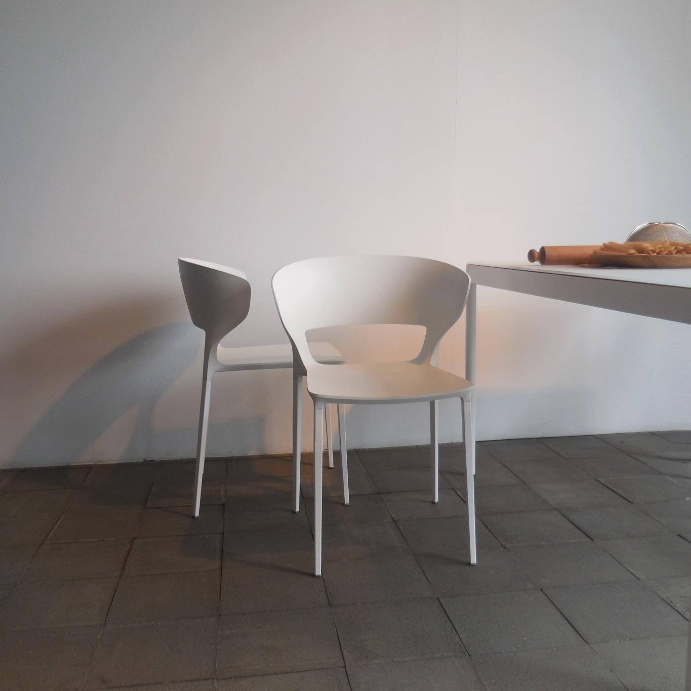 Sedia desalto set 4 sedie con braccioli koki 707 design for Sedia koki desalto