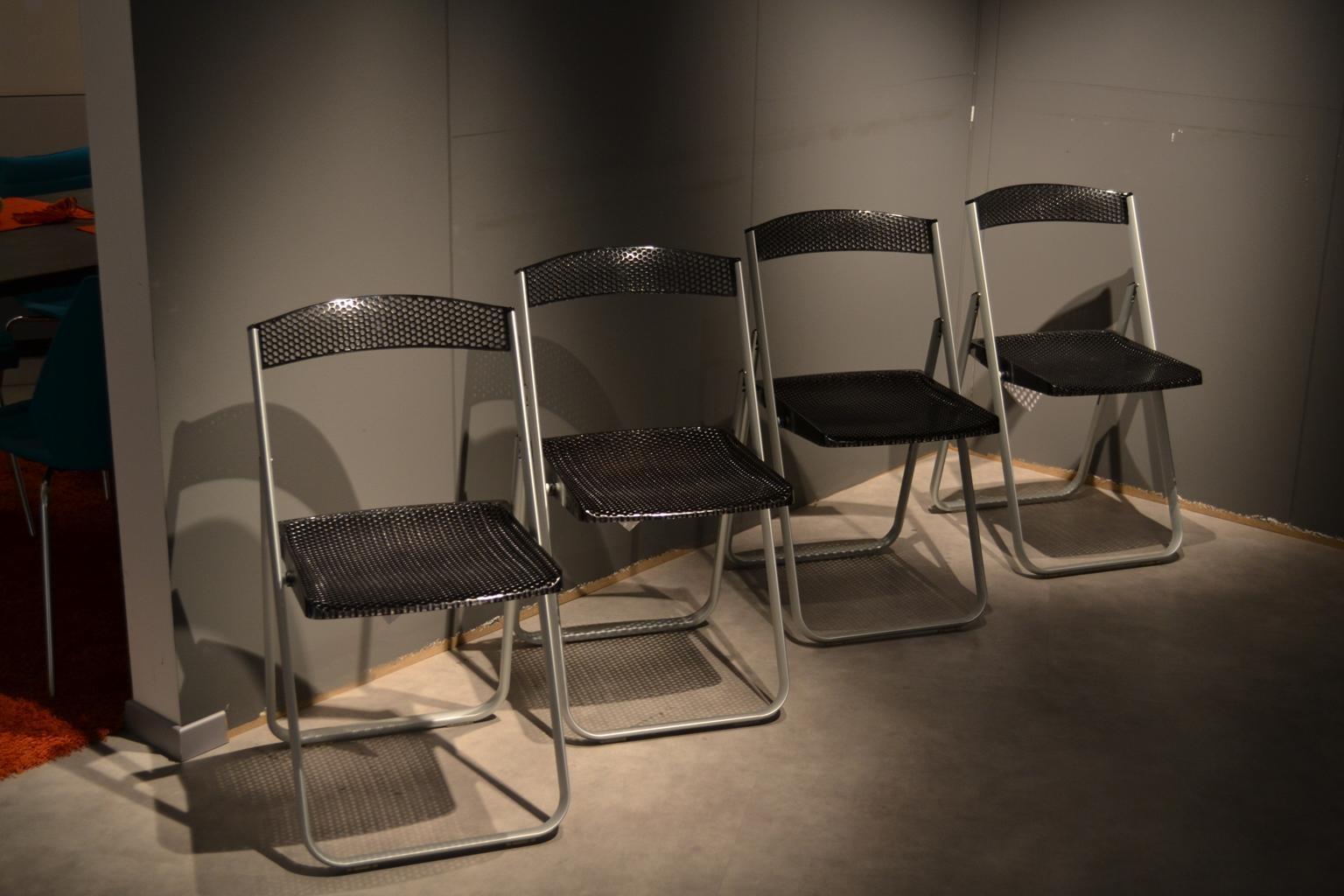 Kartell 4 sedie honeycomb fume 39 sedie a prezzi scontati for Sedie kartell prezzi