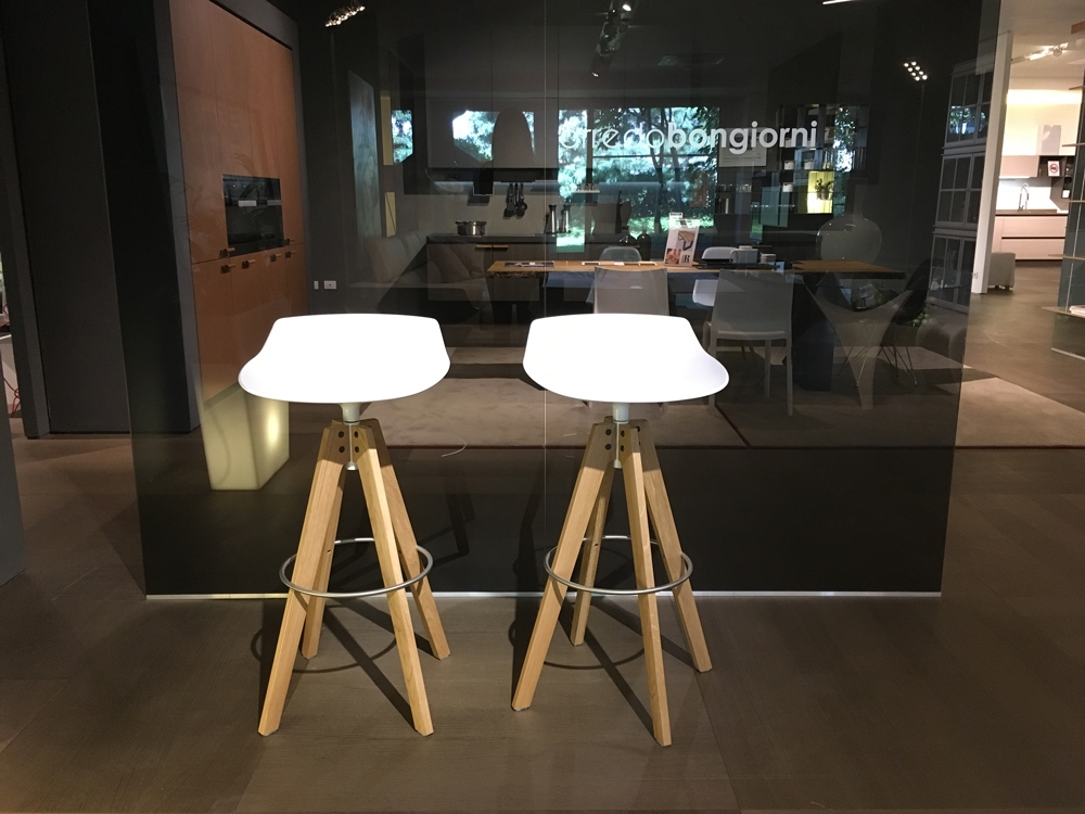 Mdf sedia set di 4 sgabelli flow stool scontato del 30 for Sedia design faccia