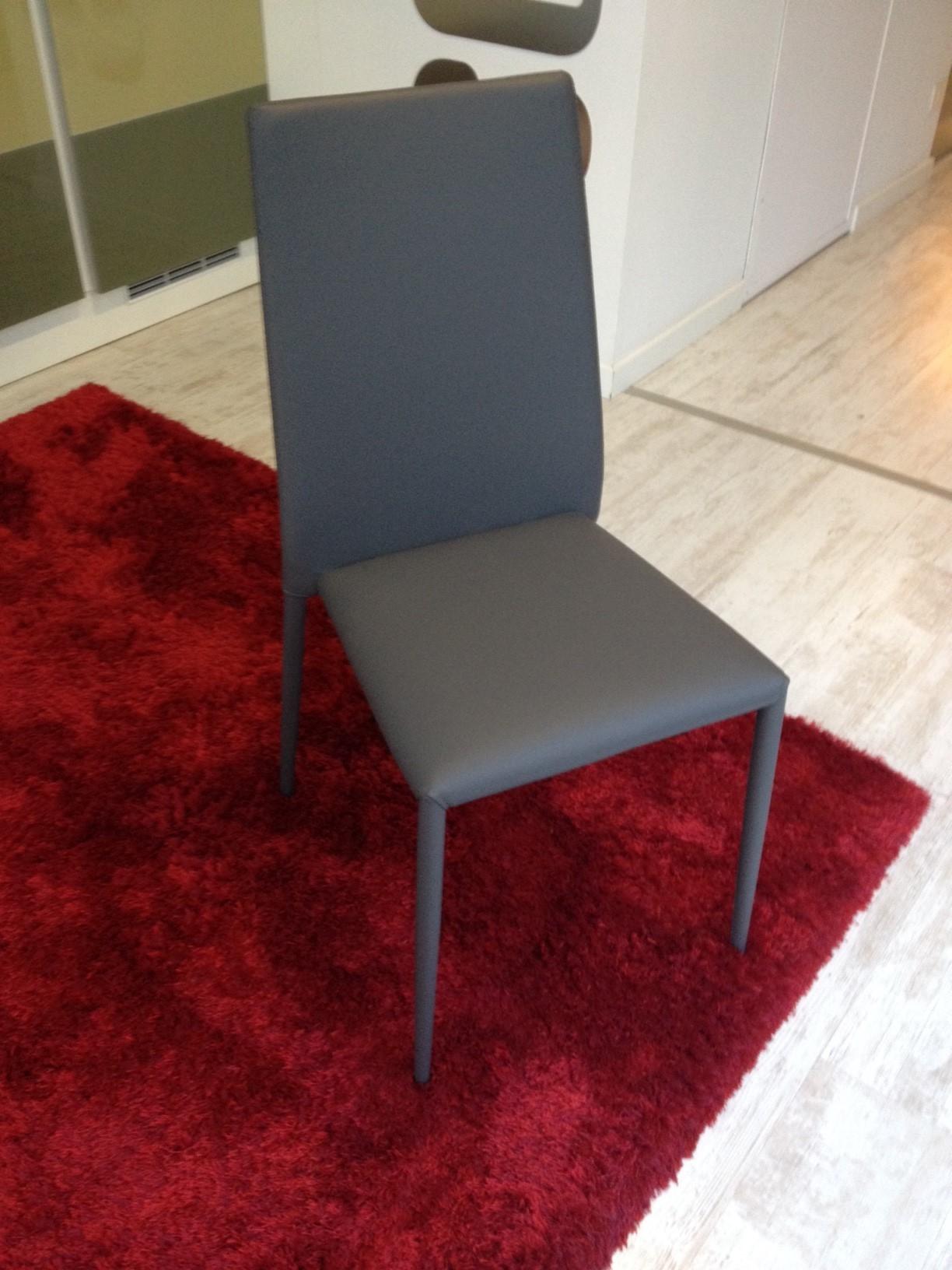 Sedie ecopelle grigio antracite 42 sedie a prezzi scontati for Sedie in ecopelle
