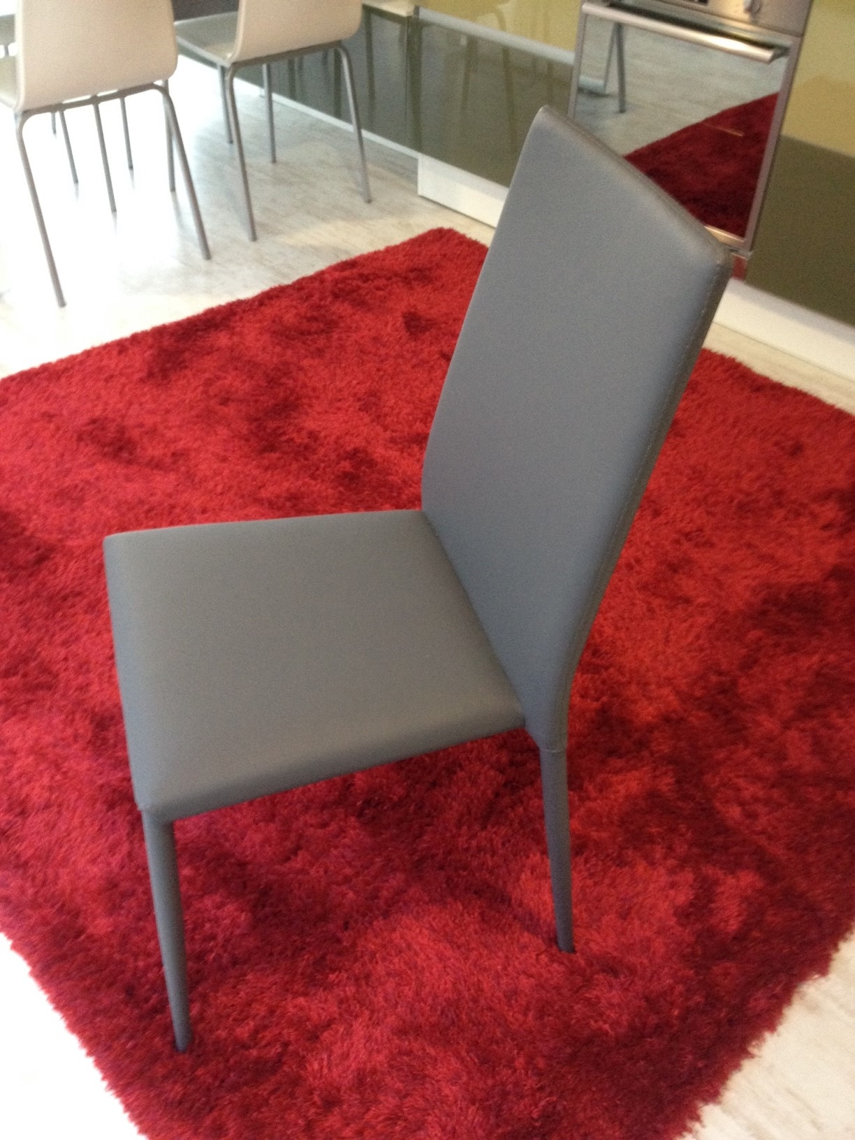 Sedie ecopelle grigio antracite 42 sedie a prezzi scontati for Sedie design grigie