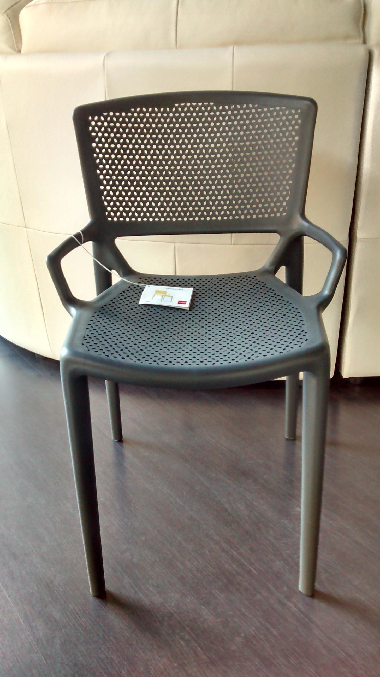 Offerta sedie in polipropilene impilabili 18603 sedie a for Sedie impilabili plastica