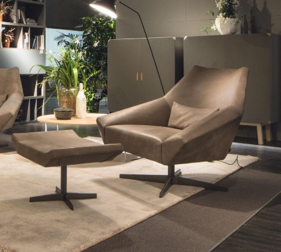 Poltrona e poggiapiedi luxury designe sedie a prezzi for Sedie a poltrona