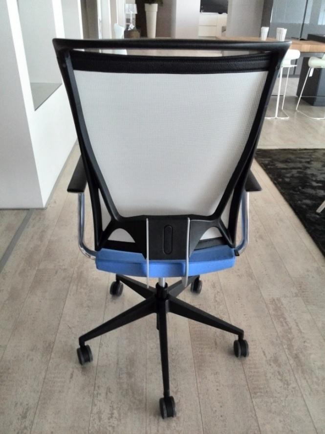 Sedia da ufficio korium mesh design kastel sconto 49 for Sedie di marca