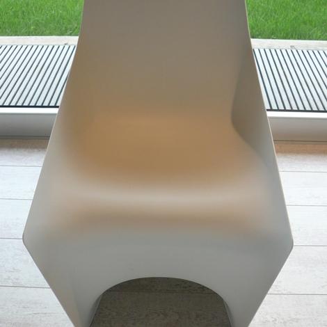 Pulp colore bianco sedie a prezzi scontati for Sedie kristalia outlet