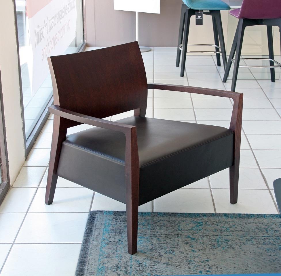 Rossetto arredamenti sedia poltrona in legno weng design for Rossetto arredamenti
