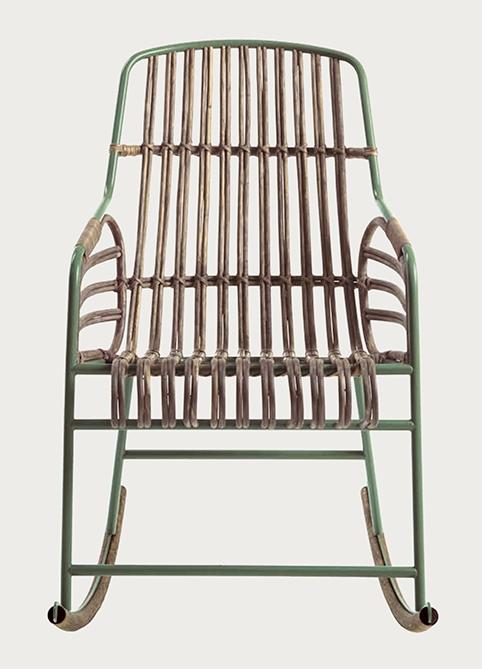Sedia a dondolo di alto design modello raphia con scocca for Sedia a dondolo prezzi