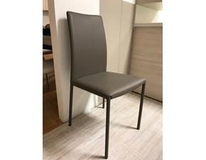 Sedie con schienale alto prezzi negli spazi espositivi