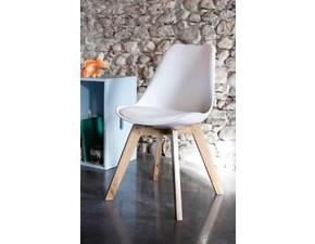 Sedia Alta Corte modello Space. Space è una sedia con seduta in ecopelle imbottita e struttura in legno rovere disponibile in varie finiture.