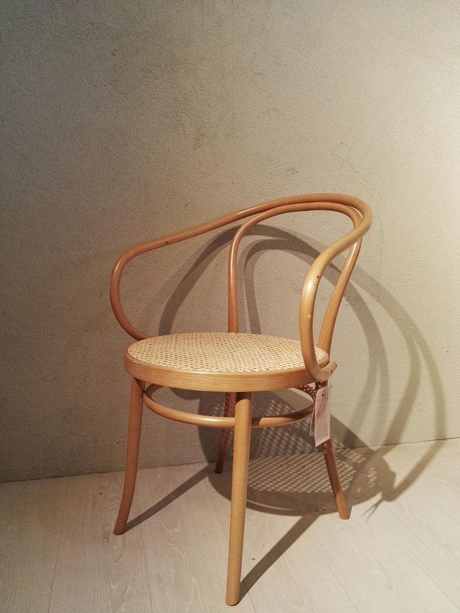 Sedia b9 thonet scontata del 33 sedie a prezzi scontati for Sedia antica thonet