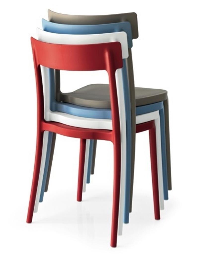 Sedia calligaris argo plastica design impilabile sedie a for Sedie impilabili plastica