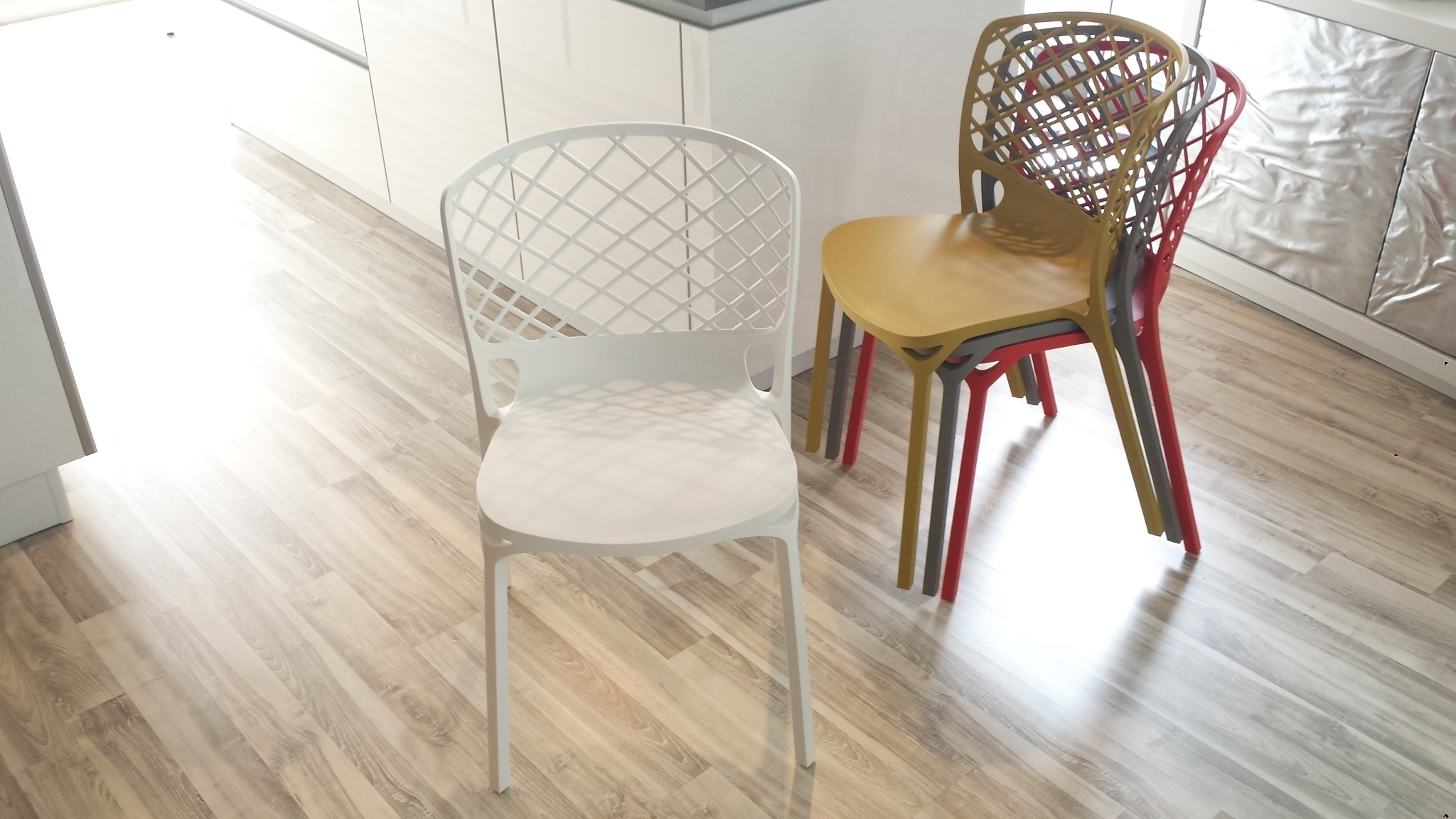 Sedia calligaris mod gamera sedie a prezzi scontati for Sedie e tavoli calligaris prezzi