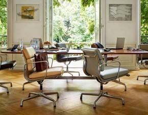 Sedia con braccioli Soft pad chairs  Vitra a prezzo Outlet