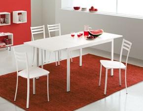 Sedia Connubia modello Ace. Sedia con struttura in bianco ottico opaco e sedile in bianco ottico opaco.