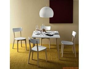 Sedia Connubia modello Jelly. Sedia con struttura in faggio e sedile in polipropilene disponibile in vari colori.