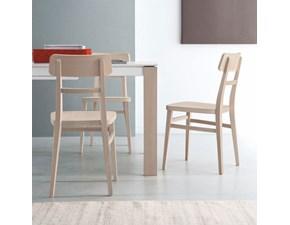Sedia Connubia modello Milano. Sedia con struttura e sedile in legno di faggio disponibile in varie finiture.