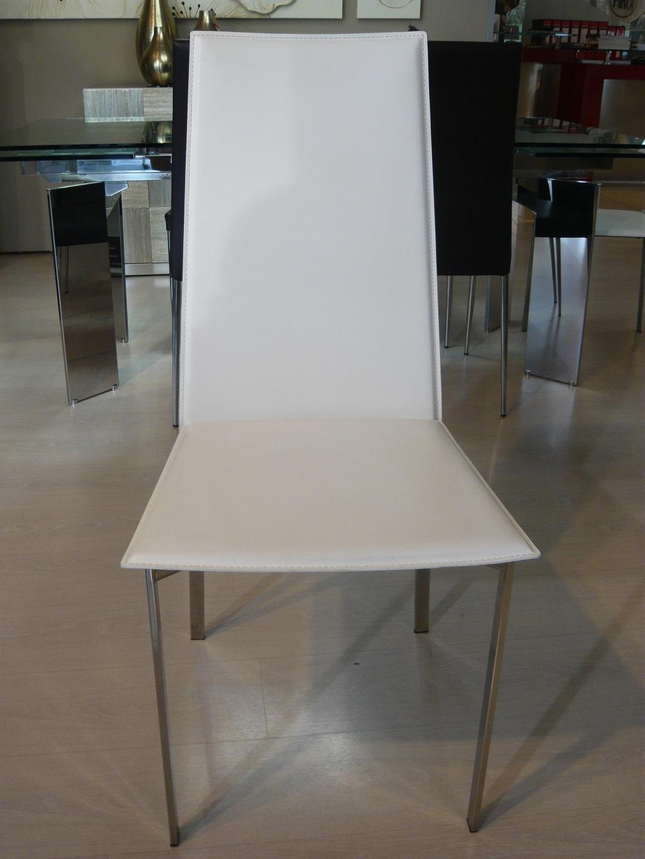 Sedia cuoio rigenerato sedie a prezzi scontati for Sedie cuoio prezzi