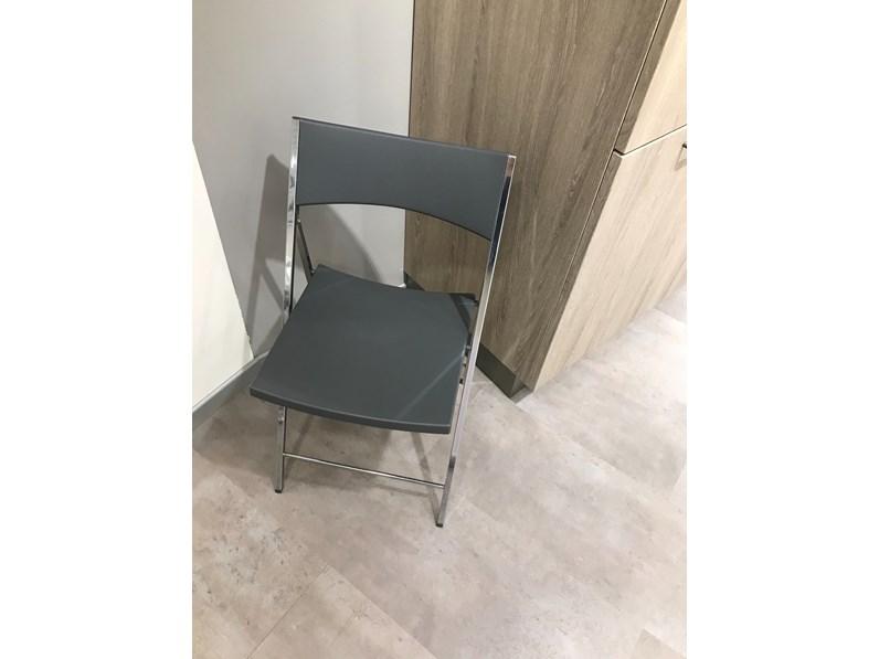 Sedia da cucina carrello per sedia fold ingenia a prezzo for Arredamenti moreni
