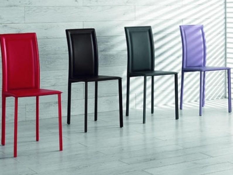 Sedia da sala o cucina in ecopelle spessorata 5 colori for Sedie da cucina in ecopelle