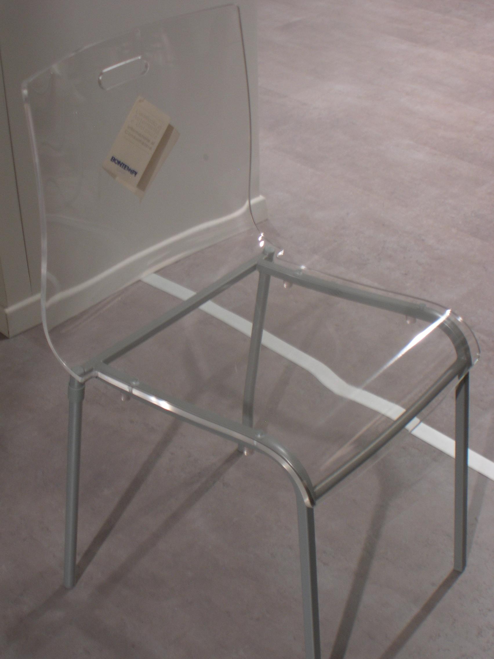 Tappeti plastica bambini idee per il design della casa - Sedia plexiglass trasparente ikea ...