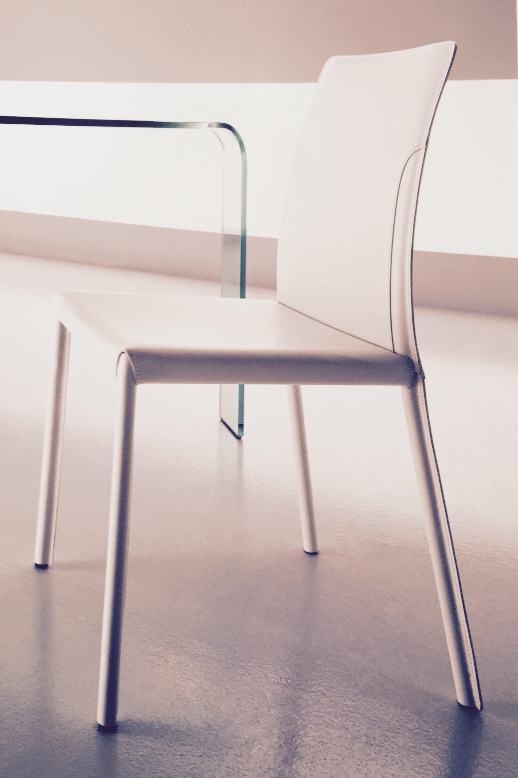 N 4 sedie fiam italia dress cuoio pelle colore bianco for Sedie cuoio prezzi
