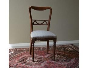 Sedia in stile per sala da pranzo di Produzione Artigianale. La sedia è rifinita con lucidatura eseguita a mano e con rivestimento di seduta in tessuto.  Scontate del -55%. Offerta Outlet Mobilgross