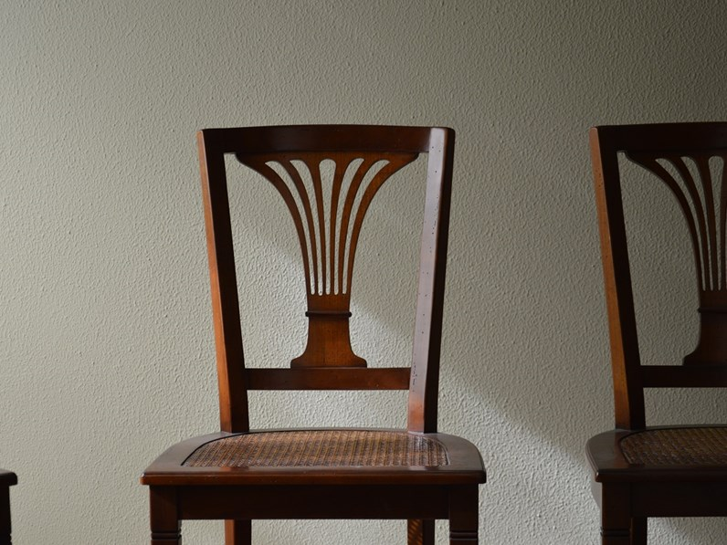 Sedia in stile in legno massello di Produzione Artigianale - scontata del  -60%