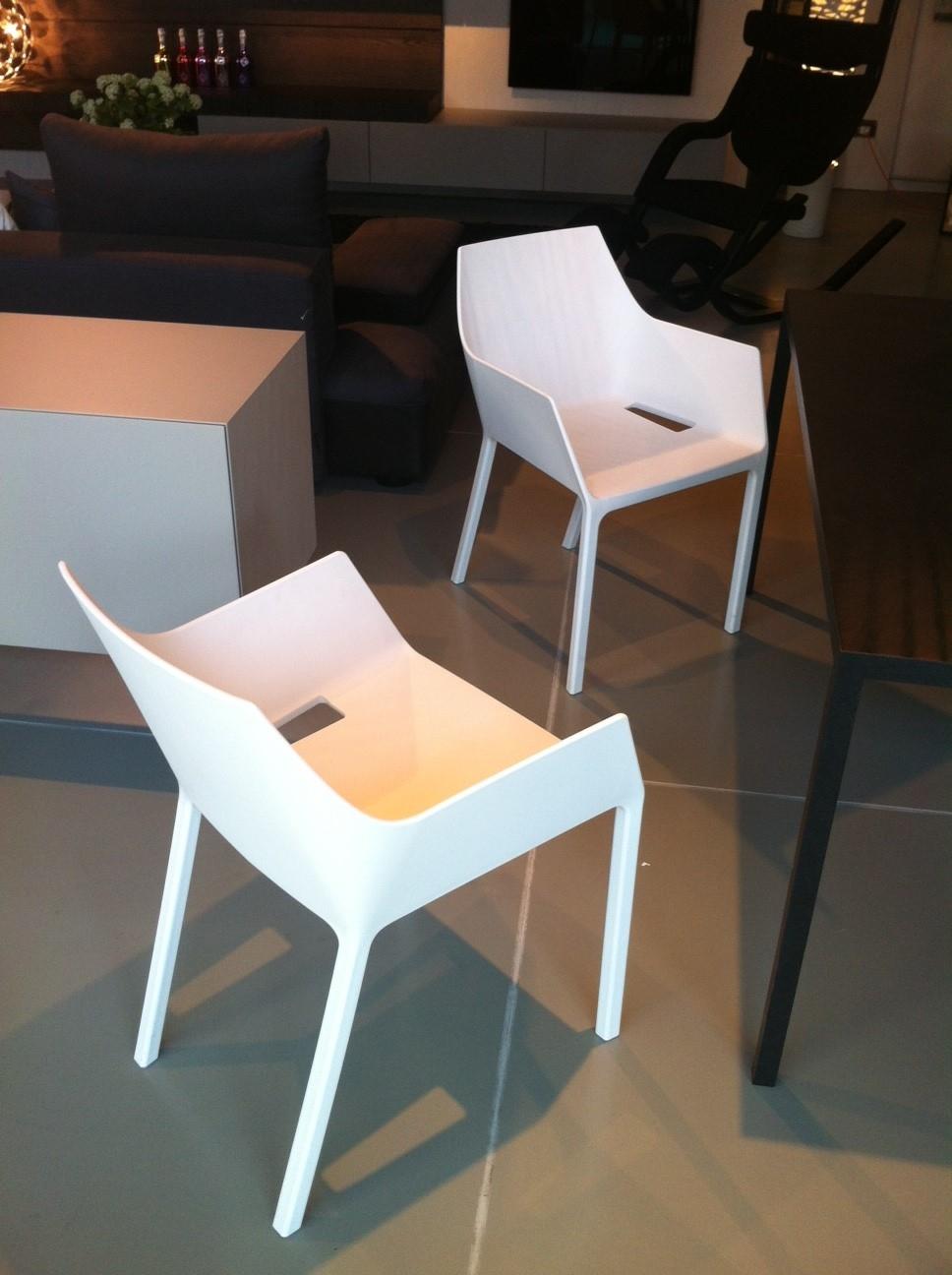 Sedia con braccioli kristalia modello mem sedie a prezzi for Sedie kristalia outlet