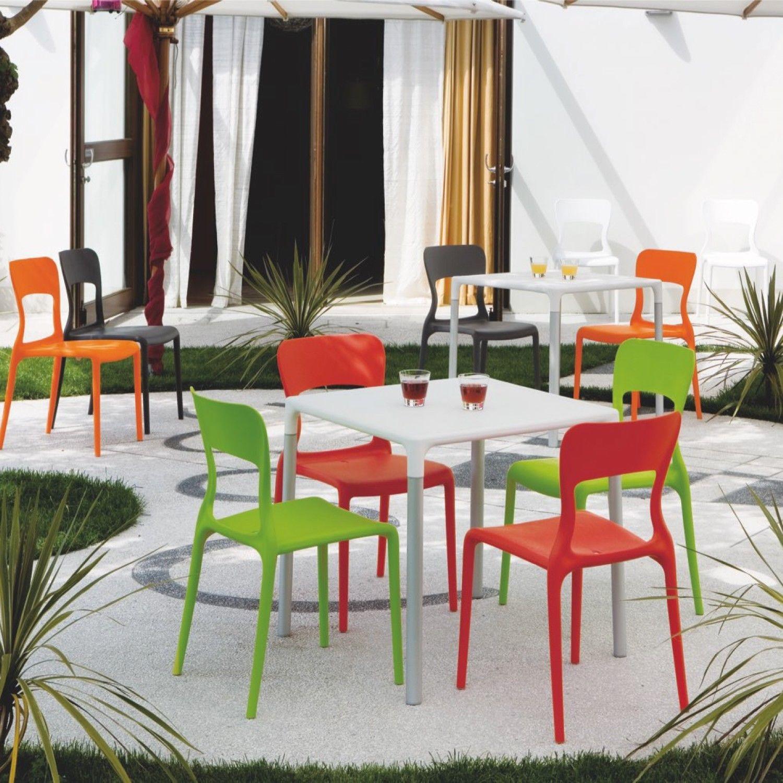 sedia skoll impilabile e colorata ideale per la cucina e per l ... - Sedie Cucina Colorate