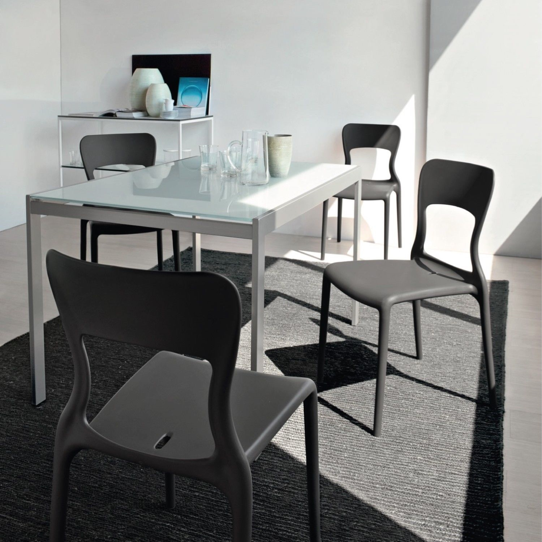Sedia skoll impilabile e colorata ideale per la cucina e per l 39 esterno scontata del 37 sedie - Sedie per la cucina ...