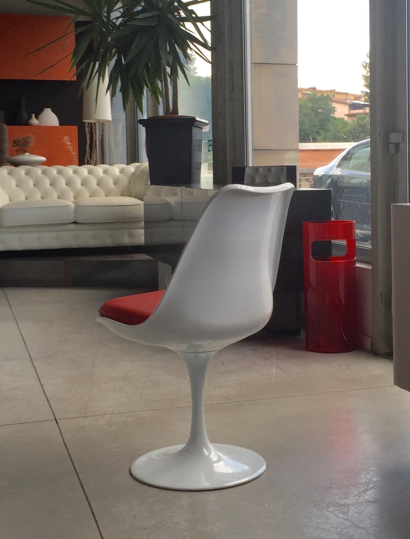 Sedia mod tulip girevole sedile in pelle anilina colore for Sedia design girevole