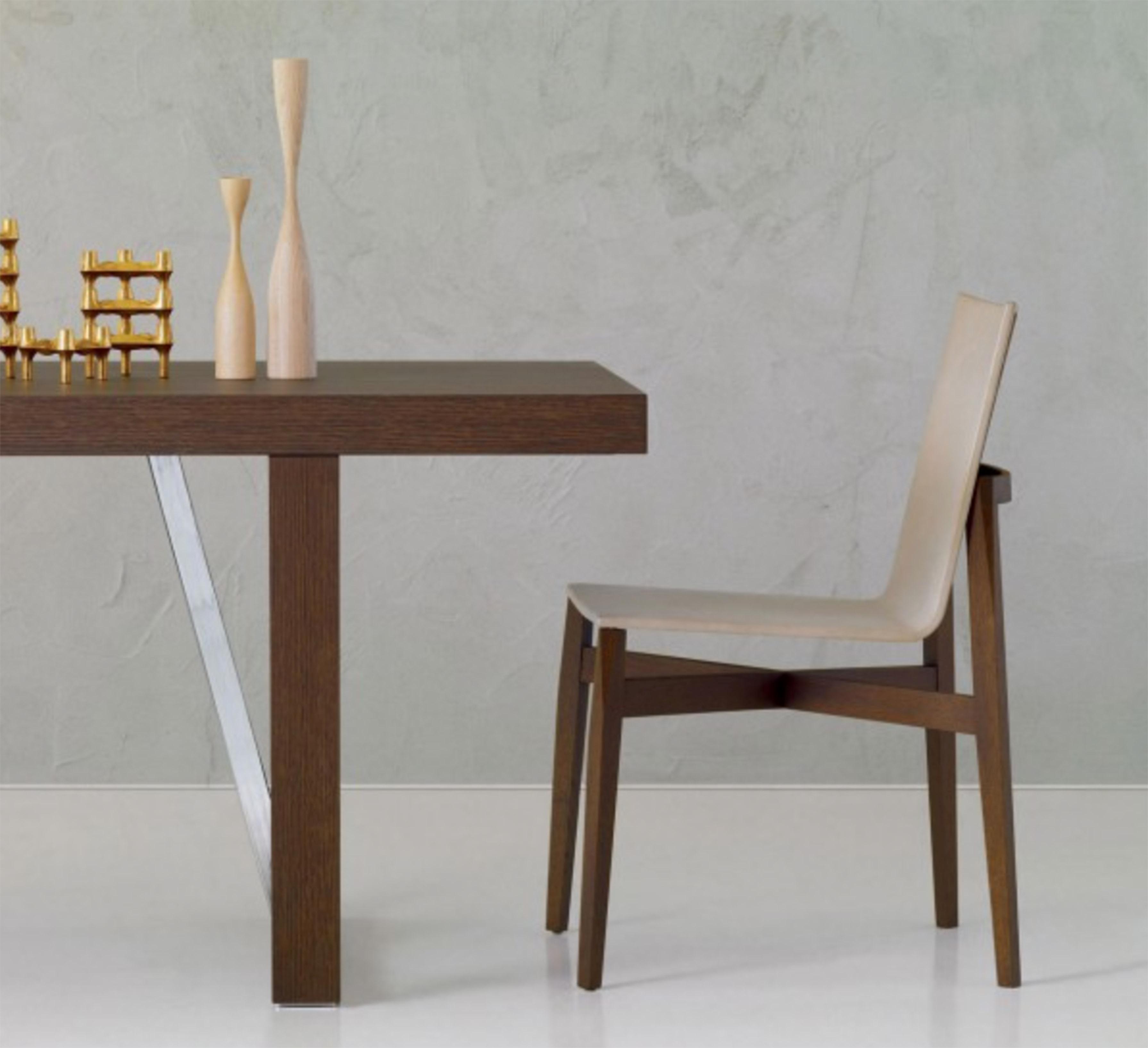 Sedia molteni design rodolfo dordoni in legno rovere scuro for Sedie pelle e legno